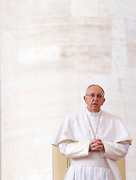 Papa Francesco tiene l'udienza generale del mercoledi' in Piazza San Pietro, Citta' del Vaticano, 3 febbraio 2016.<br /> Pope Francis attends his weekly general audience in St. Peter's Square at the Vatican, 3 February 2016.<br /> UPDATE IMAGES PRESS/Riccardo De Luca<br /> <br /> STRICTLY ONLY FOR EDITORIAL USE