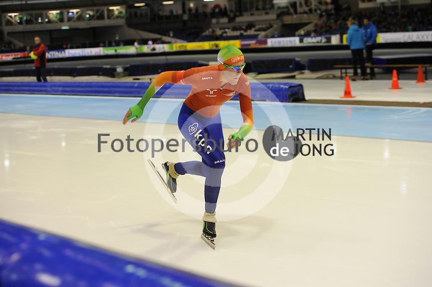 SCHAATSEN: HEERENVEEN: 26-12-2013, IJsstadion Thialf, KNSB Kwalificatie Toernooi (KKT), 1000m, Jorien ter Mors, ©foto Martin de Jong