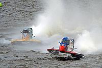 Jose Mendana, Jr. (#21) leads Tyler Welch (#59).  (Formula 1/F1/Champ class)