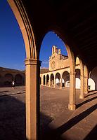Spanien, Mallorca, gotischer Kreuzgang im Santuari de Monti-Sion bei Porreres