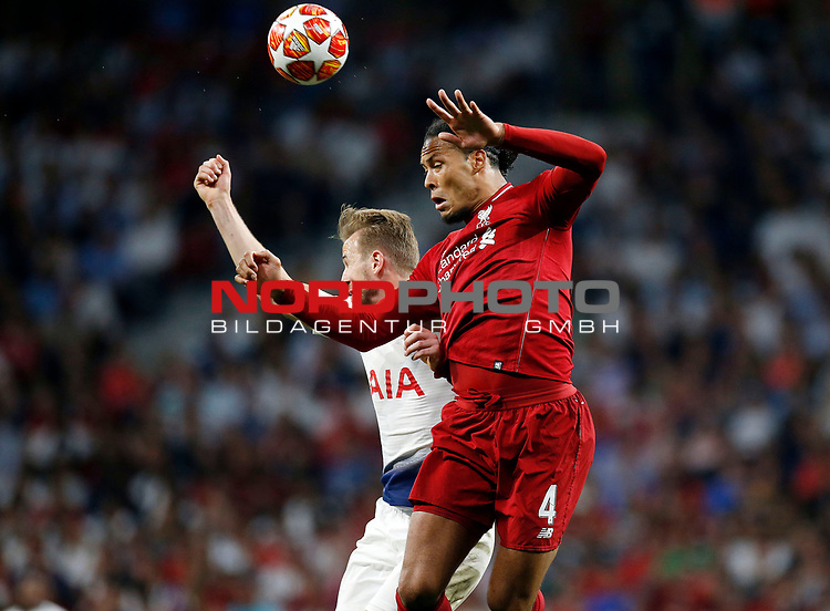 Tottenham Hotspur FC's Harry Kane and Liverpool's FC Virgil Van Dijk during UEFA Champions League match, Final Roundl between Tottenham Hotspur FC and Liverpool FC at Wanda Metropolitano Stadium in Madrid, Spain. June 01, 2019.(Foto: nordphoto / Alterphoto /Manu R.B.)