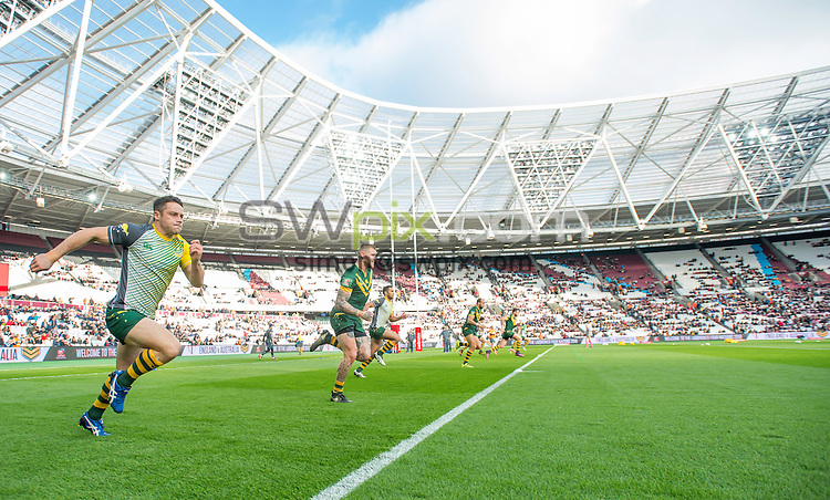 Picture by Allan McKenzie/SWpix.com - 13/11/2016 - Rugby League - 2016 Ladbrokes Four Nations - England v Australia - The Olympic Stadium, London, England - The brief, Australia warm up.