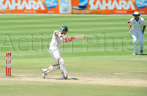 CAPE TOWN, SOUTH AFRICA - 6 January 2010:  Jean Paul (JP) Duminy in action  during the 3rd Castle Test Match (DAY 4) between South Africa v England held at Newlands Cricket Ground in Cape Town, South Africa. PHOTO: APA-Photo/Actionplus. Editorial Licenses Only.