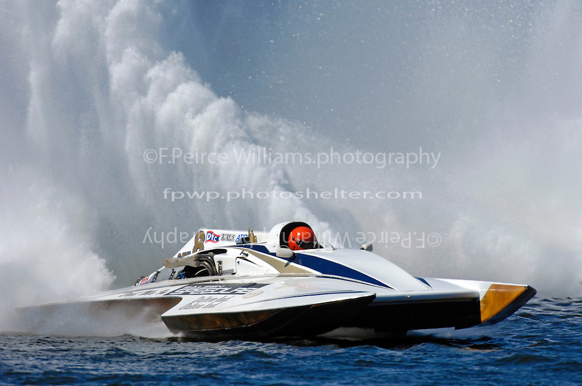 "Steve Kuhr, Jr., ""Deel Me In"" GNH-8  (Grand National Hydroplane)"