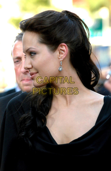ANGELINA JOLIE.Lara Croft Tomb Raider: The Cradle Of Life LA Film Premiere at Grauman's Chinese Theatre, Hollywood.www.capitalpictures.com.sales@capitalpictures.com.©Capital Pictures.