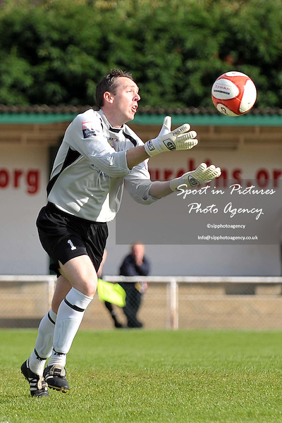 Andy Hall (Brentwood goalkeeper). AFC Hornchurch Vs Brentwood Town. FA CUP 2nd Qualifying Round. The Stadium. Essex. 25/09/2010.  Credit Sportinpictures/Garry Bowden