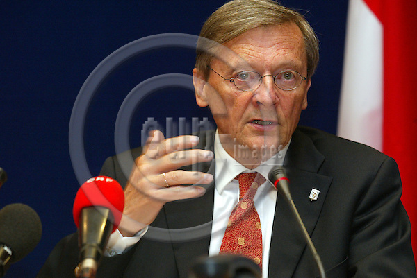 Belgium - Brussels - Council - 17 JUNE 2004 - EU-Summit, Irish Presidency - austrian briefing room - Wolfgang SCH?SSEL (Schuessel, Schussel), chancellor, Austria -  PHOTO: EUP-IMAGES / ANNA-MARIA ROMANELLI