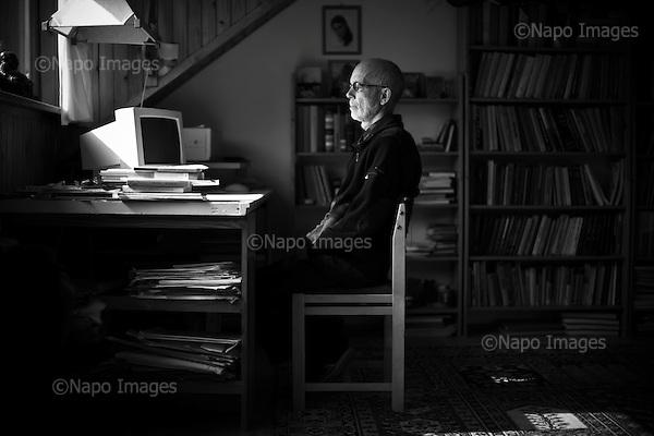 Warsaw 19 June 2009 Poland.<br /> Michal Tempczyk Polish physicist and philosopher, professor, member of the Polish Academy of Sciences Academy of Sciences.<br /> <br /> (Photo by Filip Cwik / Napo Images for Newsweek Poland)<br /> <br /> Warszawa 19 czerwiec 2009 Polska.<br /> Michal Tempczyk polski fizyk i filozof, profesor, czlonek Polskiej Akademii Nauk PAN.<br /> <br /> (fot. Filip Cwik / Napo Images dla Newsweek Polska)
