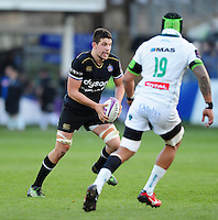 Charlie Ewels of Bath Rugby in possession. European Rugby Challenge Cup match, between Bath Rugby and Pau (Section Paloise) on January 21, 2017 at the Recreation Ground in Bath, England. Photo by: Patrick Khachfe / Onside Images
