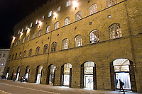 Veduta esterna del negozio di Salvatore Ferragamo a Firenze.<br /> Exterior view of Salvatore Ferragamo store in Florence.<br /> UPDATE IMAGES PRESS/Riccardo De Luca