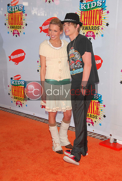 Katie Cassidy and Jesse Mccartney<br />at Nickelodeon's 19th Annual Kids' Choice Awards. Pauley Pavilion, Westwood, CA. 04-01-06<br />Dave Edwards/DailyCeleb.com 818-249-4998