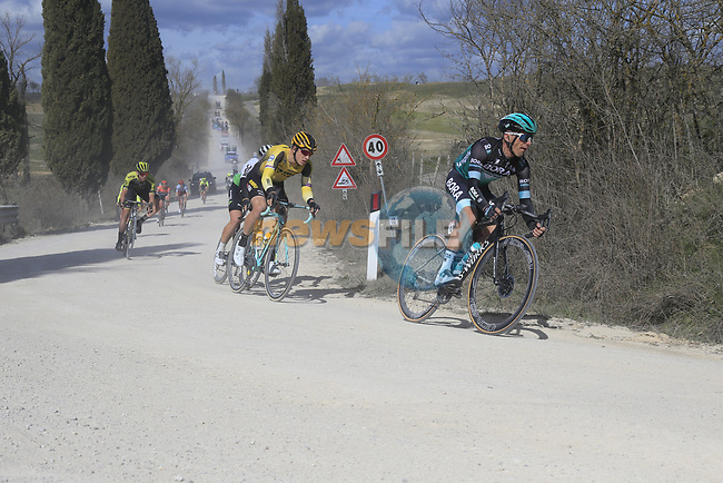The peloton including Rafal Majka (POL) Bora-Hansgrohe on sector 2 Bagnaia during Strade Bianche 2019 running 184km from Siena to Siena, held over the white gravel roads of Tuscany, Italy. 9th March 2019.<br /> Picture: Eoin Clarke | Cyclefile<br /> <br /> <br /> All photos usage must carry mandatory copyright credit (© Cyclefile | Eoin Clarke)