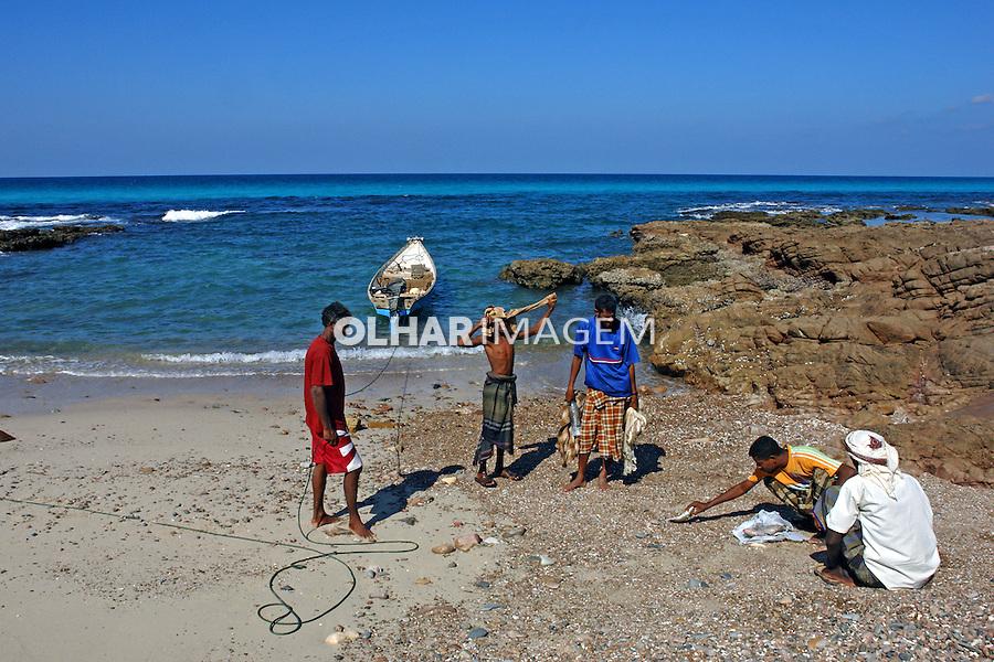 Pescadores em Archer dunes. Ilha de Socotra. Yemen. 2008. Foto de Caio Vilela.