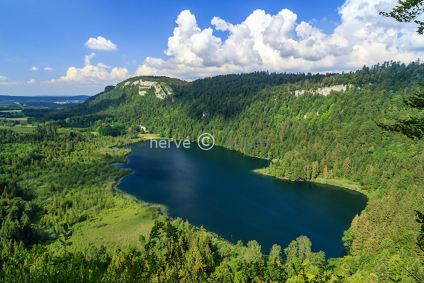 France, Jura (39), Bonlieu, lac de Bonlieu // France, Jura, Bonlieu, Bonlieu lake