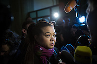 Berlin, Tina, Schwester von Johnny K., gibt am Montag (13.05.13) in Landgericht in Berlin vor dem Prozessbeginn ein TV-Statement. Foto: Maja Hitij/CommonLens