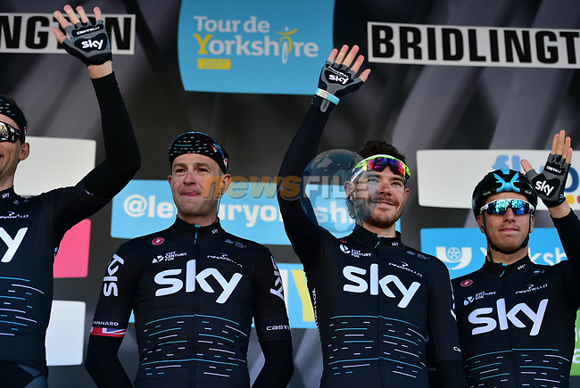 Ian Stannard (GBR) and Luke Rowe (WAL) Team Sky at sign on before the start of Stage 1 of the Tour de Yorkshire 2017 running 174km from Bridlington to Scarborough, England. 28th April 2017. <br /> Picture: ASO/P.Ballet | Cyclefile<br /> <br /> <br /> All photos usage must carry mandatory copyright credit (&copy; Cyclefile | ASO/P.Ballet)