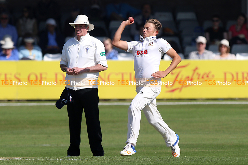 Aaron Beard in bowling action for Essex during Essex CCC vs Lancashire CCC, Specsavers County Championship Division 1 Cricket at The Cloudfm County Ground on 9th April 2017
