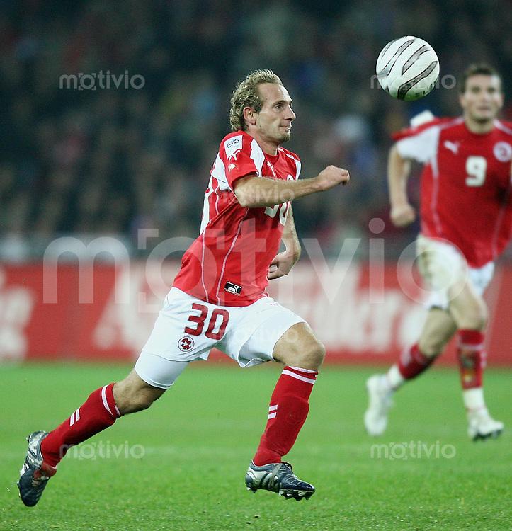 Fussball International WM Qualifikation Schweiz 1-1 Frankreich Mauro Lustrinelli (SUI) am Ball