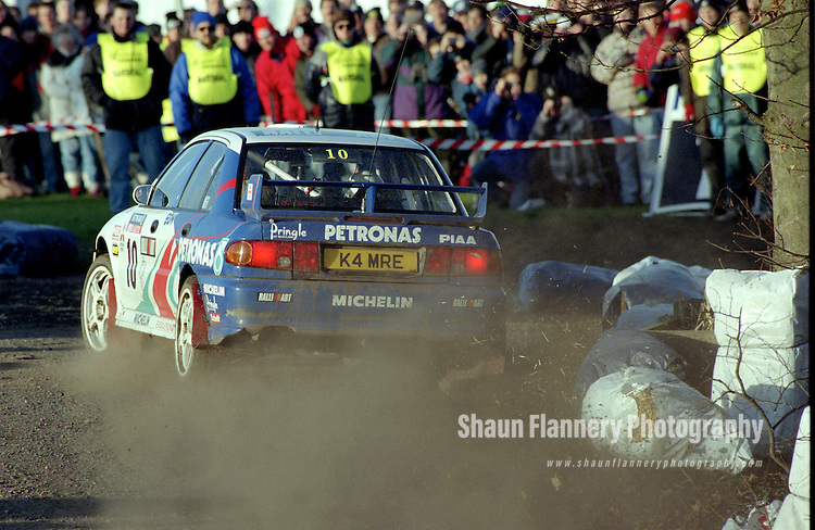 Pix: Shaun Flannery/shaunflanneryphotography.com...COPYRIGHT PICTURE>>SHAUN FLANNERY>01302-570814>>07778315553>>..1995 Network Q RAC Rally..19th November - 22nd November 1995..Kenneth Eriksson and Staffan Parmander..Mitsubishi Lancer Evo III Mitsubishi Ralliart