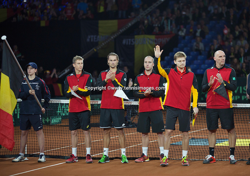 Gent, Belgium, November 27, 2015, Davis Cup Final, Belgium-Great Britain, Team presentation, The Belgium team, David Goffin waves to the crowd<br /> Photo: Tennisimages/Henk Koster