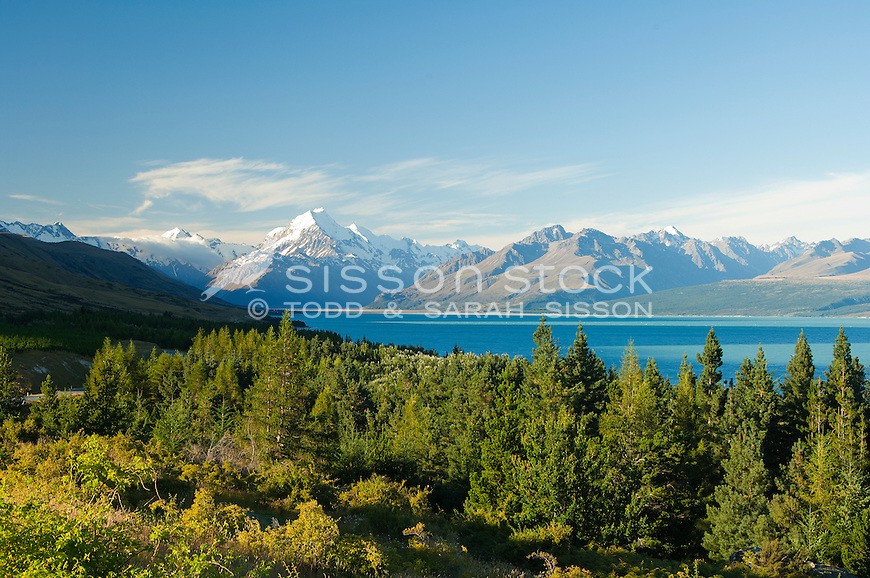 Looking up Lake Pukaki towards Mount Cook / Aoraki from Peters Lookout on a blue sky day, McKenzie Country