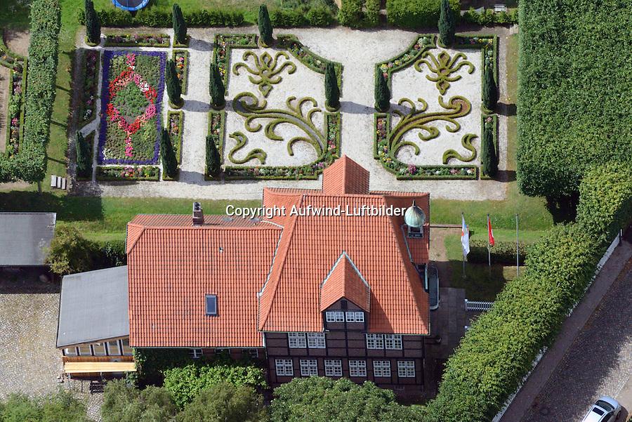 Barockgarten des Glockenhauses in Billwerder: EUROPA, DEUTSCHLAND, HAMBURG, (GERMANY), 29.06.2014: Barockgarten des Glockenhauses in Billwerder