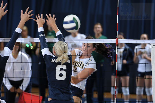 Volleyball..Photo by Matt Cashore/University of Notre Dame