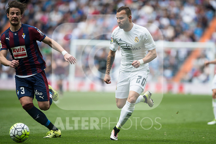 Real Madrid's Jese Rodriguez and Sociedad Deportiva Eibar's Aleksandar Pantic during La Liga match. April 09, 2016. (ALTERPHOTOS/Borja B.Hojas)