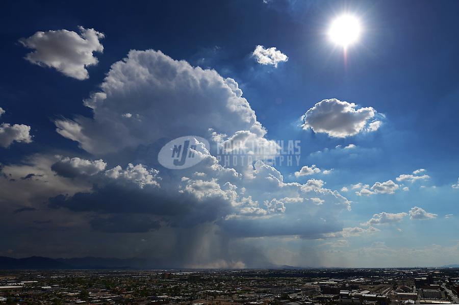 Phoenix downtown thunderstorm weather storm chaser chasing clouds sky Arizona rain dust haboob sand sun monsoon
