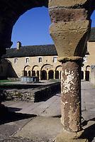 Europe/France/Auvergne/12/Aveyron/Conques: Le cloître