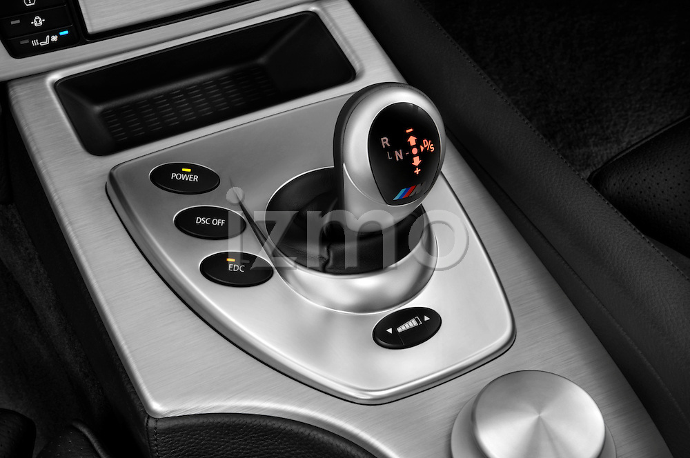 Gear shift detail view of a 2008 BMW M5 Sedan