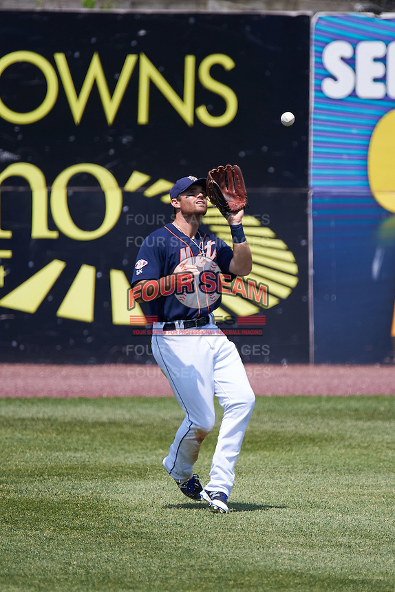 Binghamton Mets left fielder Jayce Boyd (3) catches a fly ball during a game against the Richmond Flying Squirrels on June 26, 2016 at NYSEG Stadium in Binghamton, New York.  Binghamton defeated Richmond 7-2.  (Mike Janes/Four Seam Images)
