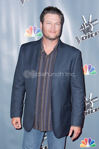 "UNIVERSAL CITY, CA - NOVEMBER 07: Recording Artist Blake Shelton at NBC's ""The Voice"" Season 5 Top 12 in Universal City Plaza, on November 7th, 2013 in Universal City, California Photo Credt: RTNRossi / MediaPunch Inc."