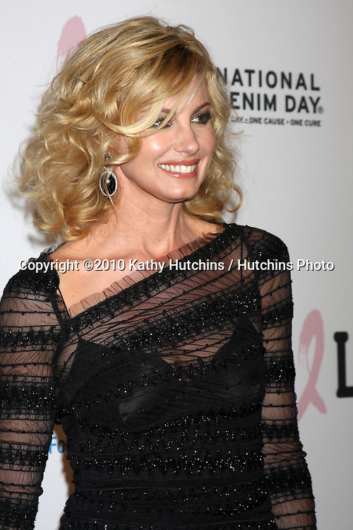 """Faith Hill.arriving at """"An Unforgetable Evening"""" benefiting EIF's Women's Cancer Research Fund 2010.Beverly Wilshire Hotel.Beverly Hills, CA.January 27, 2010.©2010 Kathy Hutchins / Hutchins Photo...."""