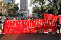 SAO PAULO, SP, 24/06/2014 - Integrantes do MSTST se reunem na Praça da Republica na tarde desta terça-feria (24) para exigirem a votação do Plano Diretor, o grupo pretende caminhar até a Camara Municipal na regiao centra de Sao Paulo. Foto: Amauri Nehn/Brazil Photo Press).