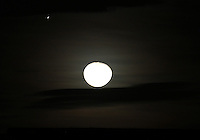 BOGOTA-COLOMBIA-01-11-2012.La Luna.The Moon  .Photo:VizzorImage/Felipe Caicedo. .