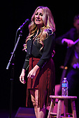LEE ANN WOMACK (2017)