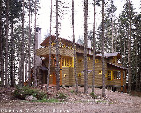 Design: Winton Scott Architect