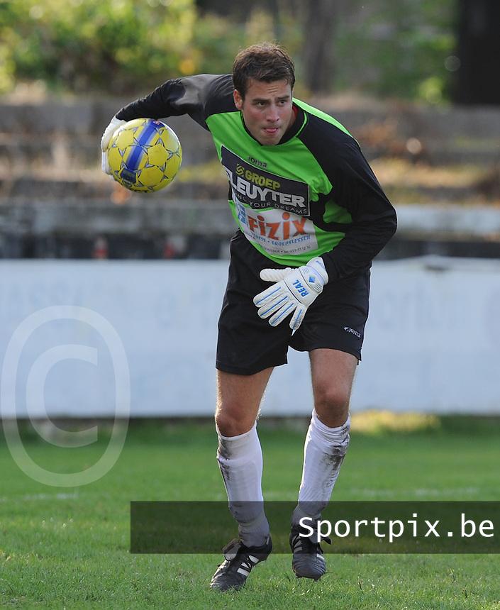 VG Oostende : Stefaan Thieren.foto VDB / BART VANDENBROUCKE