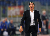 Calcio, Serie A: Roma vs ChievoVerona. Roma, stadio Olimpico, 31 ottobre 2013.<br /> AS Roma coach Rudi Garcia, of France, gives suggestions to his players during the Italian Serie A football match between AS Roma and ChievoVerona at Rome's Olympic stadium, 31 October 2013.<br /> UPDATE IMAGES PRESS/Riccardo De Luca