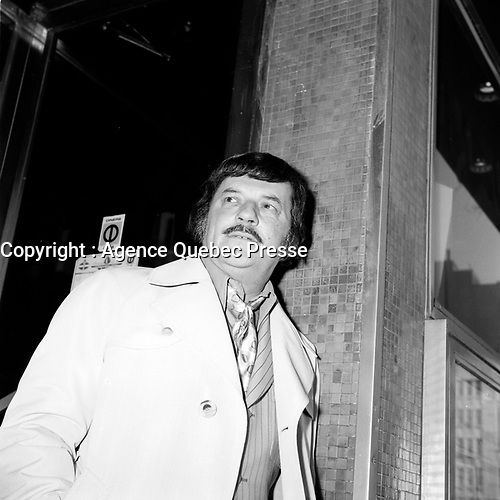 le chanteur country et comedien Willie Lamothe vers 1970.<br /> (date exacte inconnue)<br /> <br /> PHOTO : Agence Quebec Presse<br /> - Roland lachance