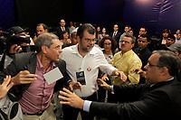 PA - ELEIÇÕES 2010/DEBATE/PA - POLÍTICA - ATENÇÃO, EDITOR: FOTO EMBARGADA PARA VEÍCULOS DO ESTADO DO PARÁ. Confussão no estudio quando termino debate com assessores do pt e do psdb   na noite de debate promovido pela Rede Record de Televisão, no Centro de Convenções Hangar, em Belém (PA), nesta segunda-feira. <br /> <br /> FOTO TARSO SARRAF/AE/AE