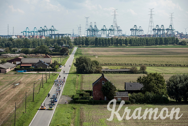 "Road towards the Port of Antwerp. <br /> <br /> Antwerp Port Epic 2018 (formerly ""Schaal Sels"")<br /> One Day Race: Antwerp > Antwerp (207km of which 32km are cobbles & 30km is gravel/off-road!)"