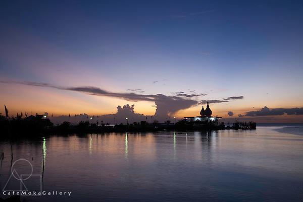 "Hindu ""Temple in the sea"" Waterloo, Sunset with hammerhead cloud"