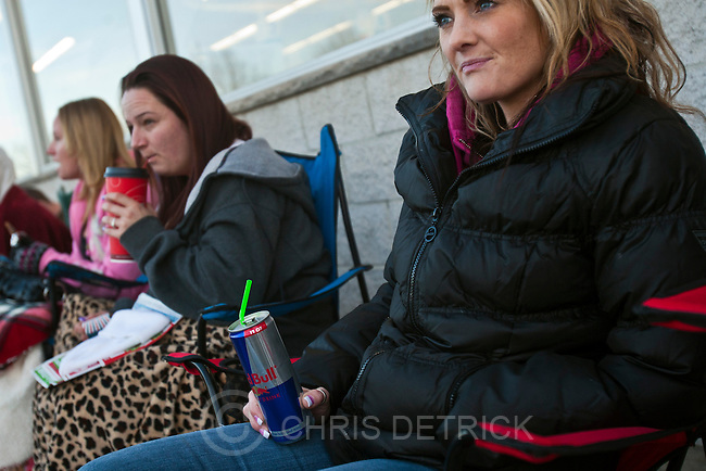 "Chris Detrick  |  The Salt Lake Tribune.Michelle Sessions, of Salt Lake City, waits in line for the 8pm opening of Toys""R""Us in Murray Thursday November 22, 2012."