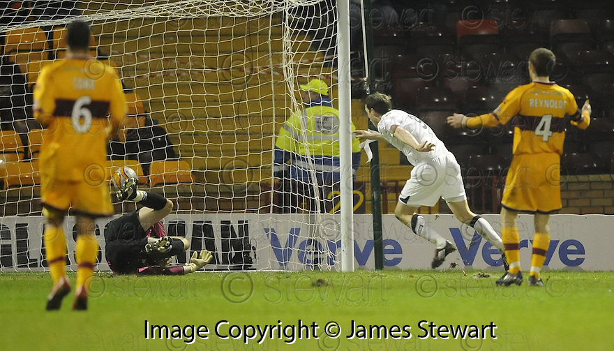 28/11/2009  Copyright  Pic : James Stewart.sct_jspa11_motherwell_v_dundee_utd  . :: JON DALY SCORES UNITED'S SECOND :: .James Stewart Photography 19 Carronlea Drive, Falkirk. FK2 8DN      Vat Reg No. 607 6932 25.Telephone      : +44 (0)1324 570291 .Mobile              : +44 (0)7721 416997.E-mail  :  jim@jspa.co.uk.If you require further information then contact Jim Stewart on any of the numbers above.........