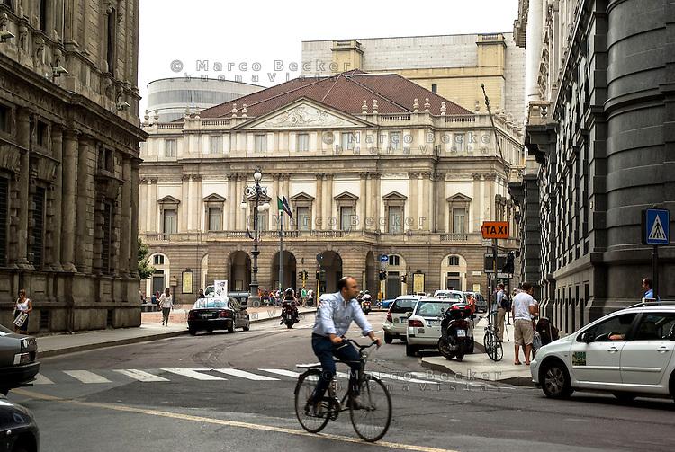 Milano, il Teatro alla Scala --- Milan, La Scala Theatre