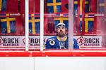 Stockholm 2014-05-03 Ishockey Oddset Hockey Games  Sverige - Finland :  <br /> Sveriges Daniel Rahimi ser nedst&auml;md i utvisningsb&aring;set<br /> (Foto: Kenta J&ouml;nsson) Nyckelord:  Oddset Hockey Games Sverige Swe Tre Kronor Finland Fin Globen Ericsson Globe Arena depp besviken besvikelse sorg ledsen deppig nedst&auml;md uppgiven sad disappointment disappointed dejected utvisning utvisad utvisas