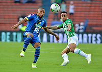 MEDELLÍN - COLOMBIA ,07-04-2019:Brayan Rovira (Der.)  jugador del Atlético Nacional disputa el balón contra Alianza Petrolera   durante partido por la fecha 14 de la Liga Águila I 2019 jugado en el estadio Atanasio Girardot de la ciudad de Medellín. /Brayan Rovira (R) player of Atletico Nacional fights the ball agaisnt of Alianza Petrolera  during the match for the date 14 of the Liga Aguila I 2019 played at the Atanasio Girardot  Stadium in Medellin  city. Photo: VizzorImage / León Monsalve / Contribuidor.