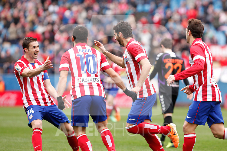 Atletico de Madrid´s players celebrate Raul Garcia´s goal during La Liga match at Vicente Calderon stadium in Madrid, Spain. February 15, 2014. (ALTERPHOTOS/Victor Blanco)